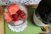 Erdbeer-Thymian-Gin-Tonic
