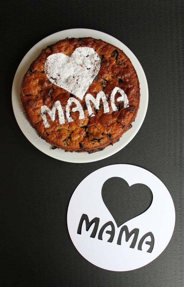 So gelingt (sogar mir) ein schön dekorierter Muttertagskuchen… {mit Vorlage für Kuchen-Deko-Schablone}