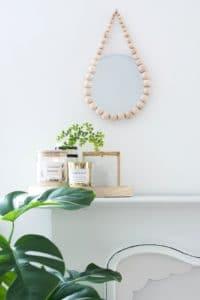 10-Minuten-DIY: Raindrop Spiegel aus Holzkugeln