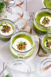 Grünes Spargelsüppchen mit Linsentopping von den [Foodistas]