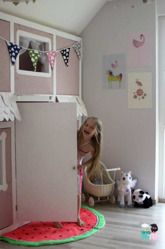 diy ein hausbett im kinderzimmer chellisrainbowroom. Black Bedroom Furniture Sets. Home Design Ideas