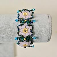 Pandahall Anleitung für ein Rosen-Blumen-Glasperlen -Armband zu Hause zu machen
