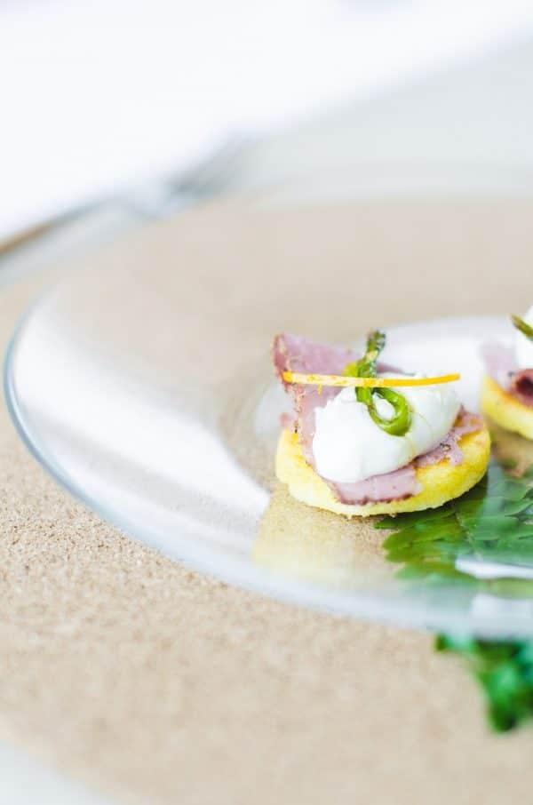 Polenta-Happen mit Spargel von den [Foodistas]