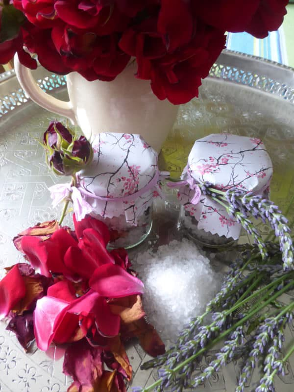Rosen und Lavendel Badesalz