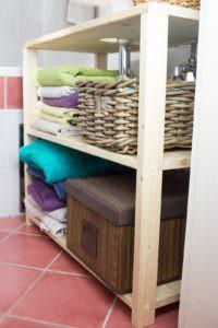 Waschbeckenregal bauen