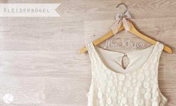 Kleiderbügel zur Hochzeit