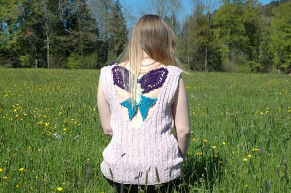 Sommerpullover mit Schmetterlingen