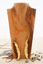 """""""Indian Spirit"""" Kette aus Leder und Blattgold"""