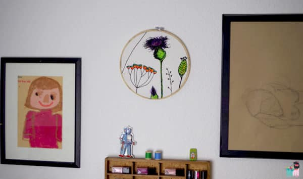 DIY - Anleitung wie man mit einem Stickrahmen, Stoff und Stofffarbe ein ganz besonderes Kunstwerk erschaffen kann.