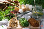 Ziegenkäse-Röllchen zum Picknick | Feurig, frisch, nussig!