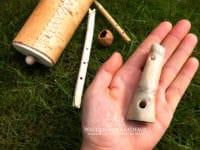Alte Musikinstrumente - Knochenflöten