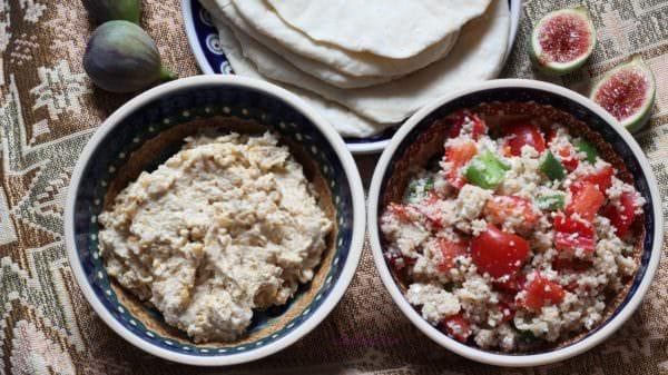 Orientalisches Abendessen - Couscous-Salat, Hummus und Fladenbrot