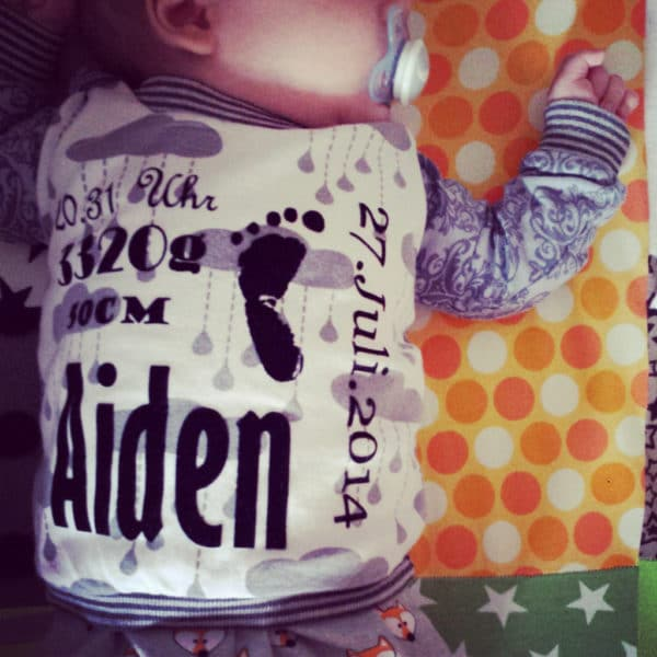 DIY – Baby Pullover mit Namen & Daten // Plotter // Geschenkidee