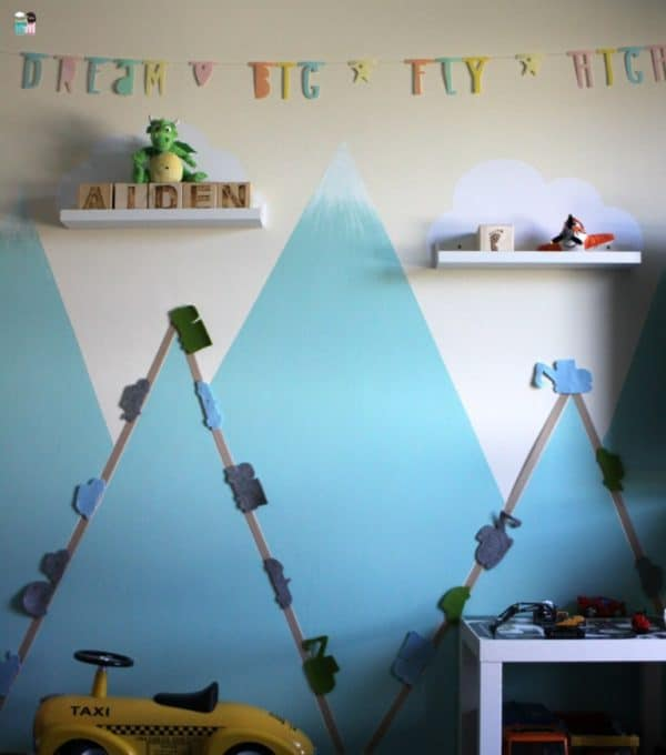 kinderzimmer diy stra en autos an der wand freebie handmade kultur. Black Bedroom Furniture Sets. Home Design Ideas