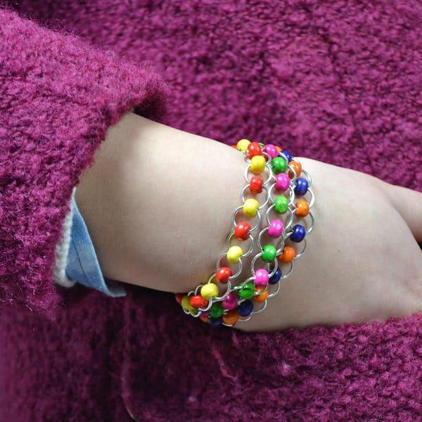 Zauberhaftes Armband mit bunter Perlen
