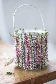 DIY Windlicht mit blühendem Heidekraut