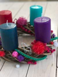 Weihnachtliche Folklore mit Bling Bling und Glitzer