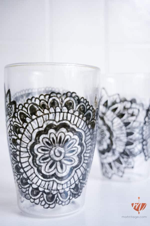 diy video zentangle auf glas zeichnen mohntage handmade kultur. Black Bedroom Furniture Sets. Home Design Ideas