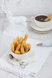 """Kaiserliche Irish Cream Chocolate Churros!"""