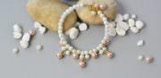 Wie kann man elegantes Perlenarmband fertigen