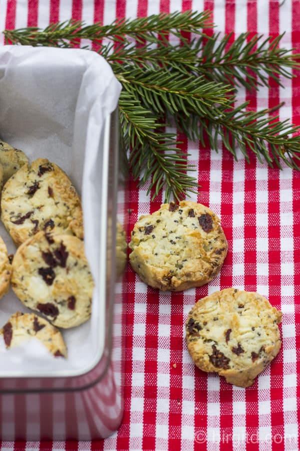 Cranberry-Cookies mit Cashews, weißer Schokolade & Chia-Samen – schnell gemacht und soooo lecker 🎀 [Birgit D]