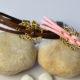 Wie Kann man ein Paar rosa und braune Kordelarmbänder für Geliebter anfertigen