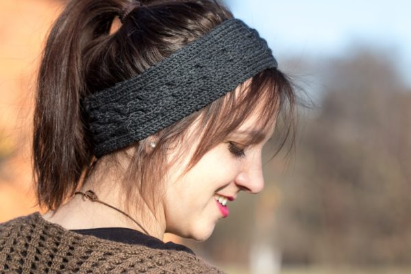 Stirnband mit Zopfmuster stricken - HANDMADE Kultur