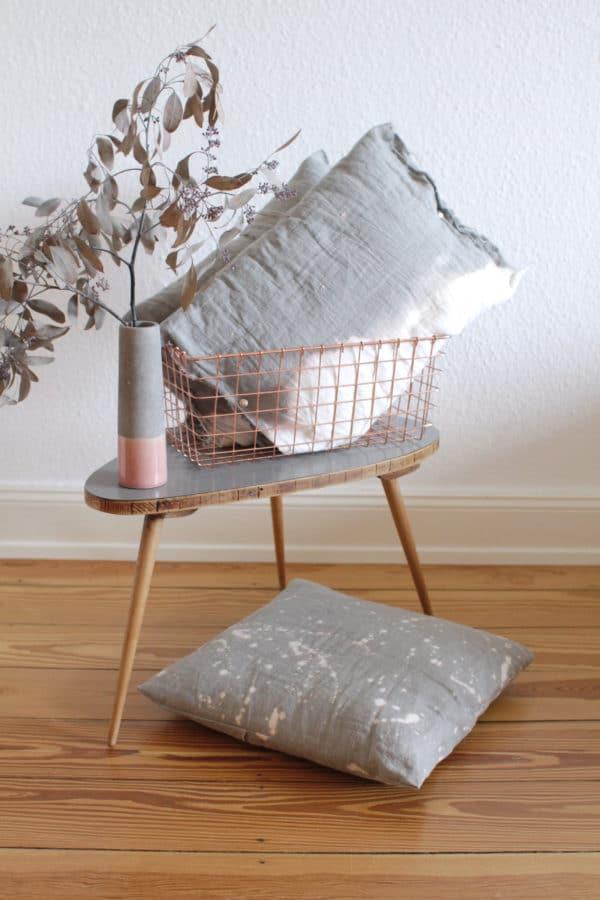 stoff gestalten ganz einfach mit bleichmittel handmade kultur. Black Bedroom Furniture Sets. Home Design Ideas