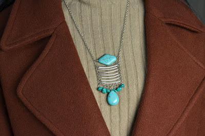 Wie kann man eine antike türkis Halskette selber machen?