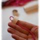 Warme Ohren im Miniformat: DIY Deko-Pudelmützen