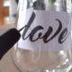 love-gravierte Gläser zum Valentinstag