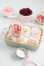 """""""Buchteln mit Vanille-Kirschen!"""""""