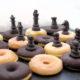 Mini-Donuts Schachbrett – perfekt für Partys