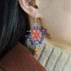 Wie kann man bunte Ohrringe selber machen