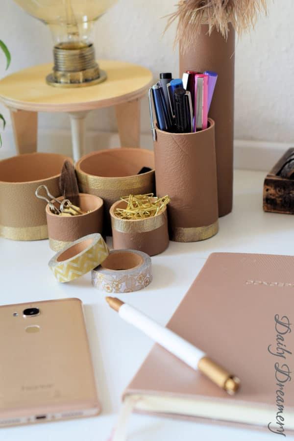 Schreibtisch-Utensilo – edel mit Leder und Gold