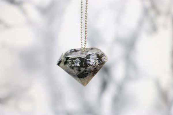 Ich schmelze mir einen Diamanten