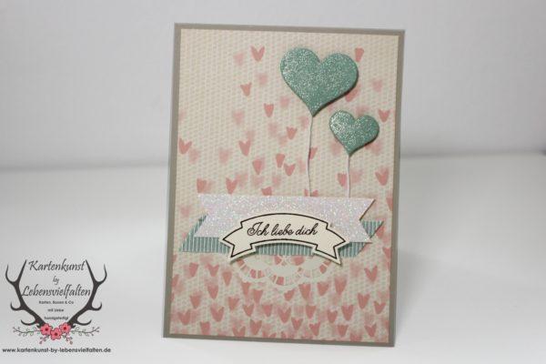 Karte zum Valentinstag mit Stampin Up! Designerpapier Zum Verlieben