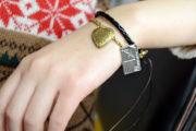 Wie kann man Armbänder mit Edelstahl Anhänger für Verliebte selber machen