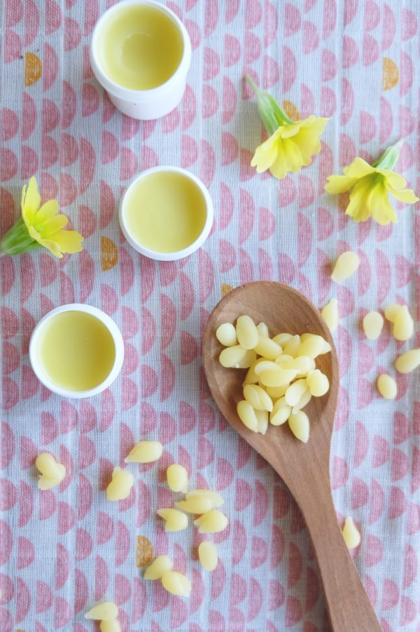 Lippenbalsam mit Bienenwachs und Mandelöl
