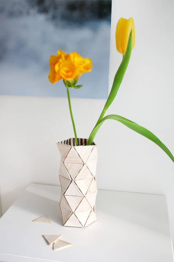 Blumenvase aus Balsaholz