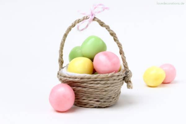 DIY Mini-Körbchen aus Eierkarton