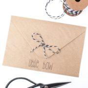DIY Schleife am Briefumschlag
