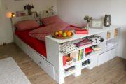 Palettenbett selber bauen - Bett aus Europaletten