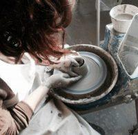 Workshops: Drehen an der Töpferscheibe bei SUNTREE studio