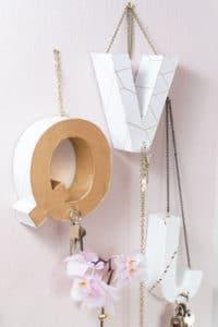 DIY Schlüsselbrett - aus Pappbuchstaben