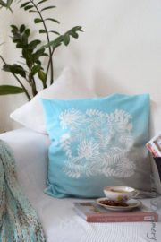 Sommerliche Kissenhüllen – ganz easy mit Textilspray