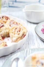 Erdbeer-Blätterteig-Schnecken