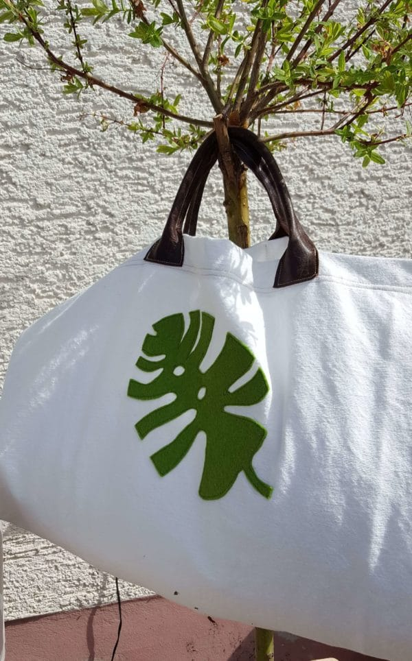 Shopper mit Monstera-Applikation