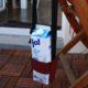 Tetrapack-Halterung mit Gurtband nähen