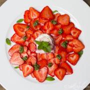 Süßes Minz-Pesto - zu frischen Erdbeeren ein Genuss [Birgit D]